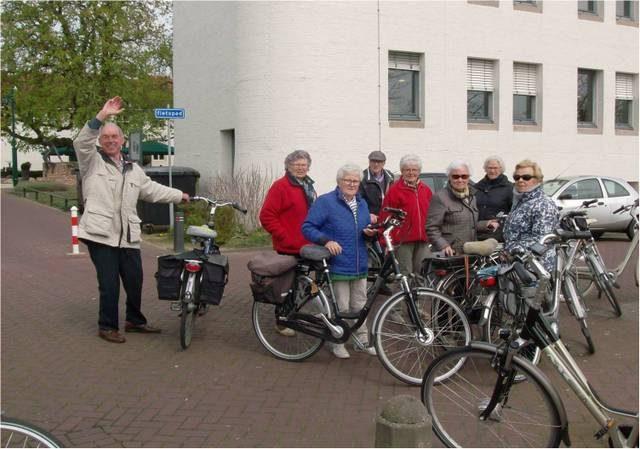 Fietsen 25 of 45 km @ Stadskantoor voor de bibliotheek